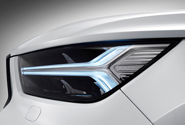 Galeria volvo XC40 vista luces led
